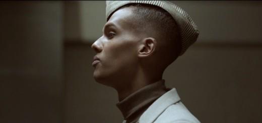 Fotogramma del video di Ta Fête di Stromae